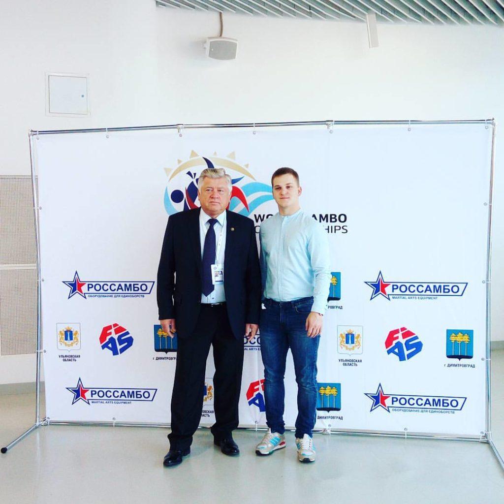 С Евгением Васильевичем Селивановым встретились у нашего стенда.