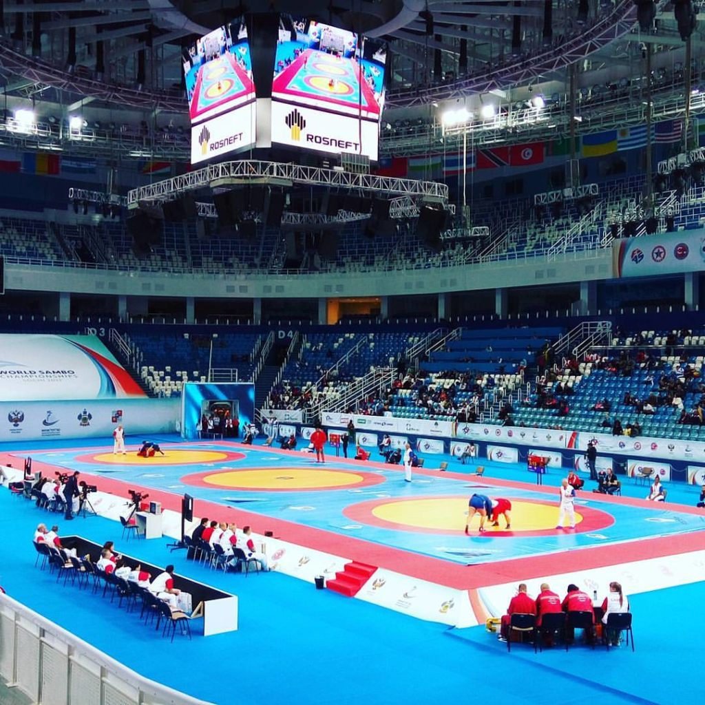 Соревновательная арена Чемпионата мира по самбо 2017, г. Сочи с борцовскими коврами от РОССАМБО