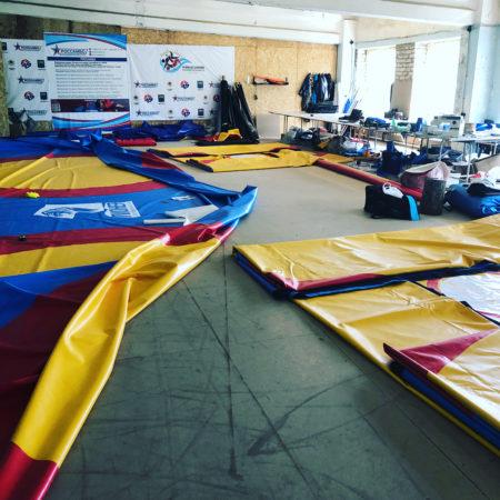 Нанесение логотипов на борцовские ковры самбо